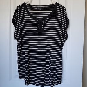 Black and white striped tshirt with lacing